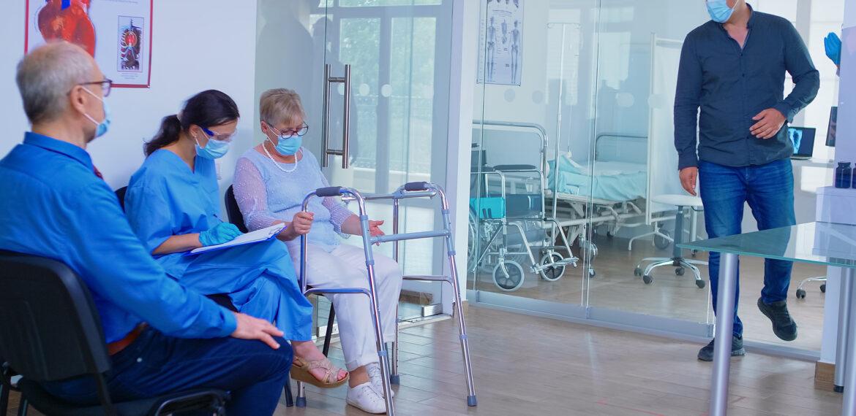Wartezeit beim Arzt: Ist das Wartezimmer eine Keimzelle